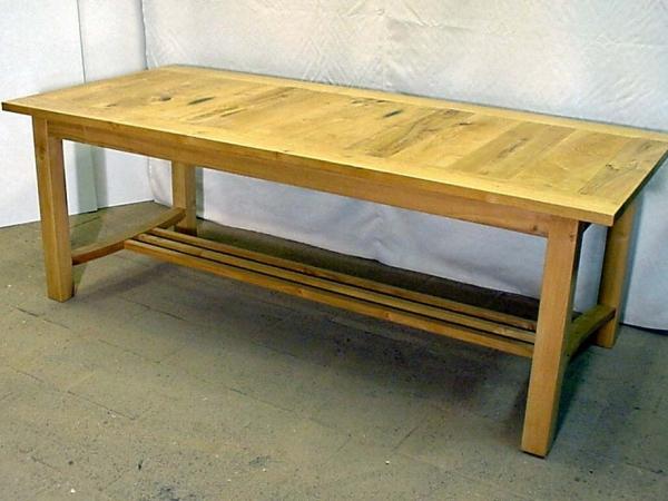 Acacia tafel met voetsteun