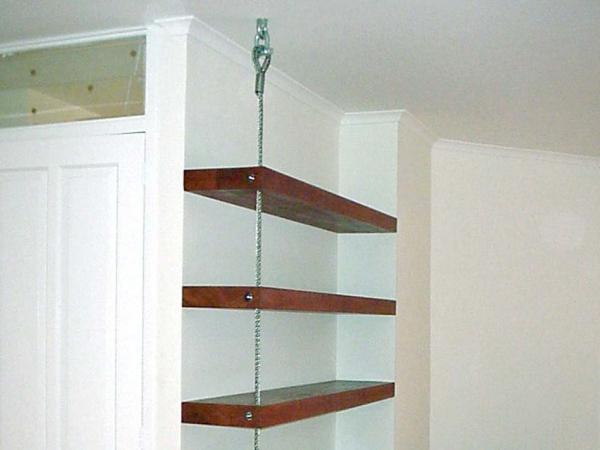 Boekenkast met RVS kabel
