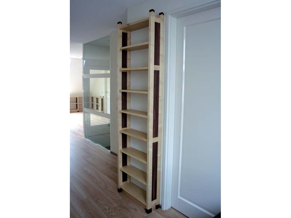 Boekenkasten voor bibliotheek