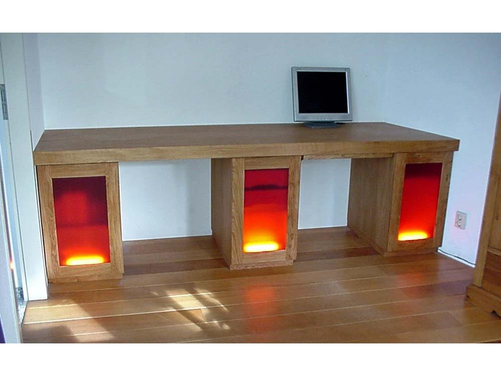 Eiken bureau met acrylaatglas