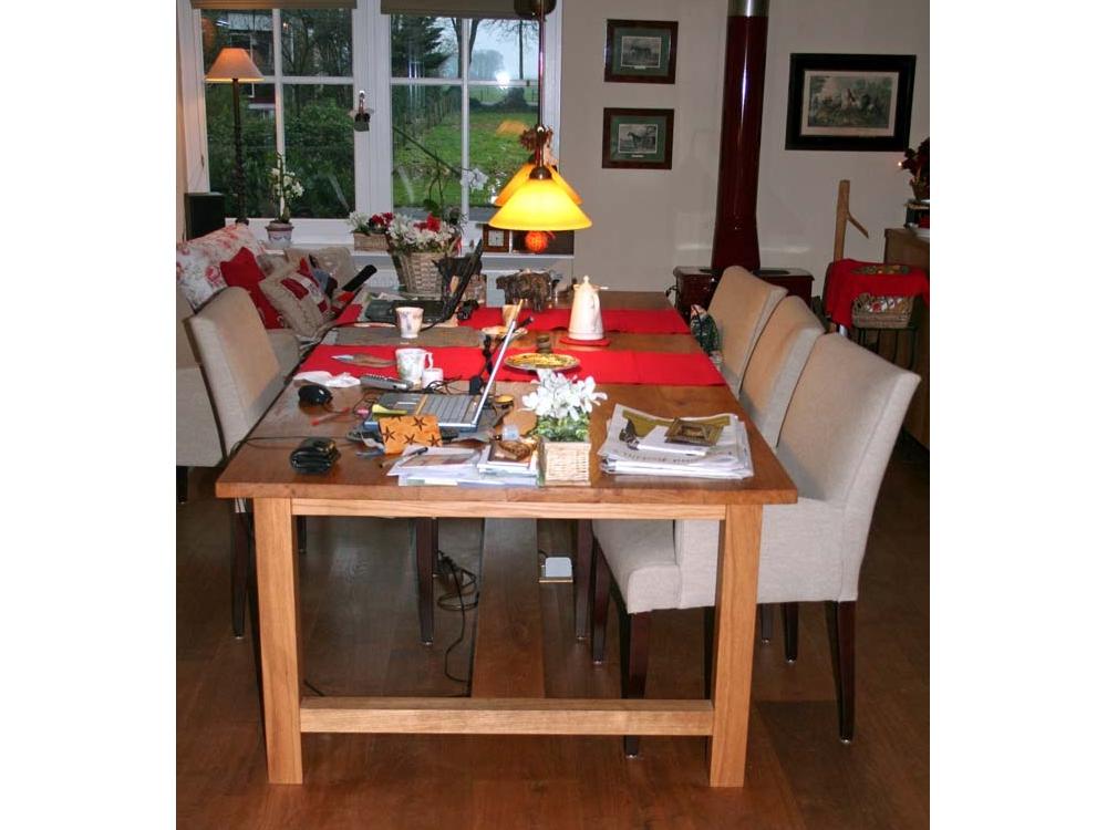 Grote slanke Eiken tafel