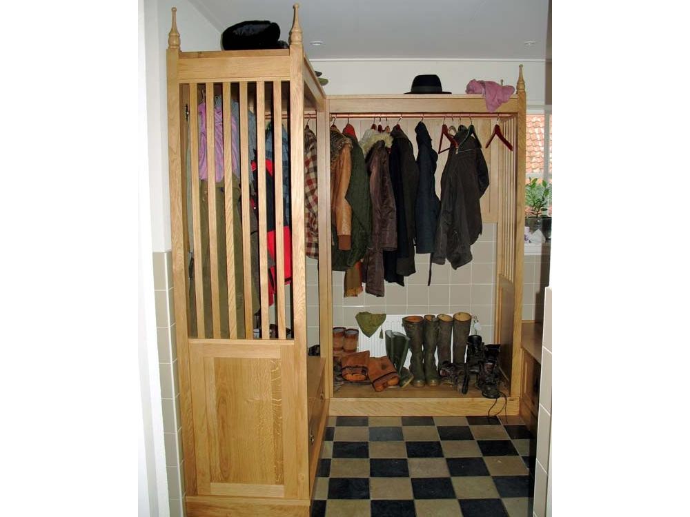 Eiken garderobekast met bankje