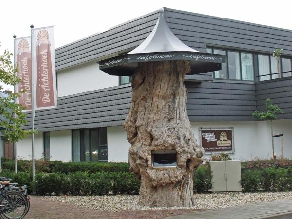 Infoboom in het centrum van Laren Gld.