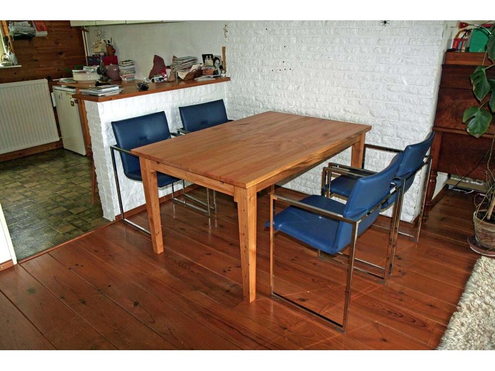 Kersenhouten tafel