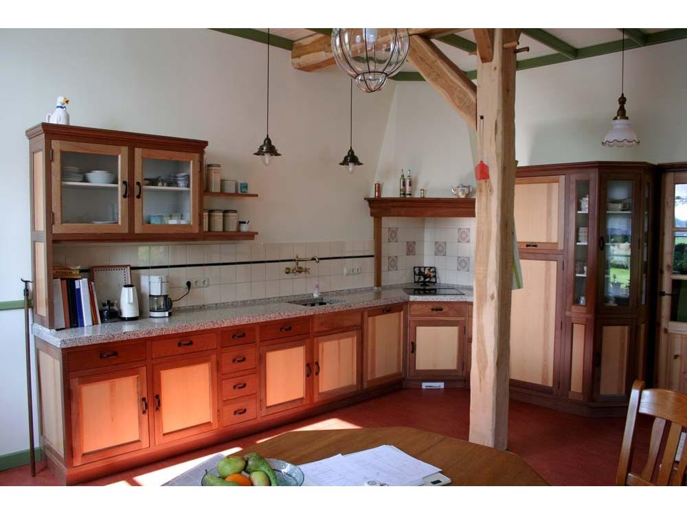 Houten keuken van Meranti en Grenen