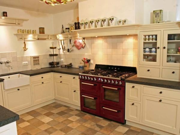 Klassieke keuken met schiereiland