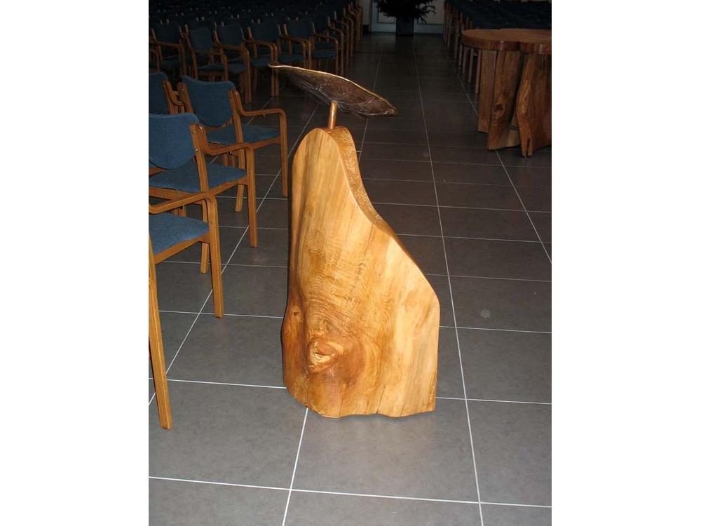 Liturgisch meubilair voor de kerk te Laren Gld.