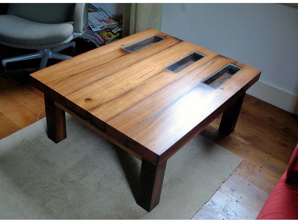 Set eiken tafels van oude gebinten
