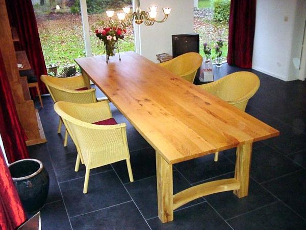 Lange tafel van Acacia
