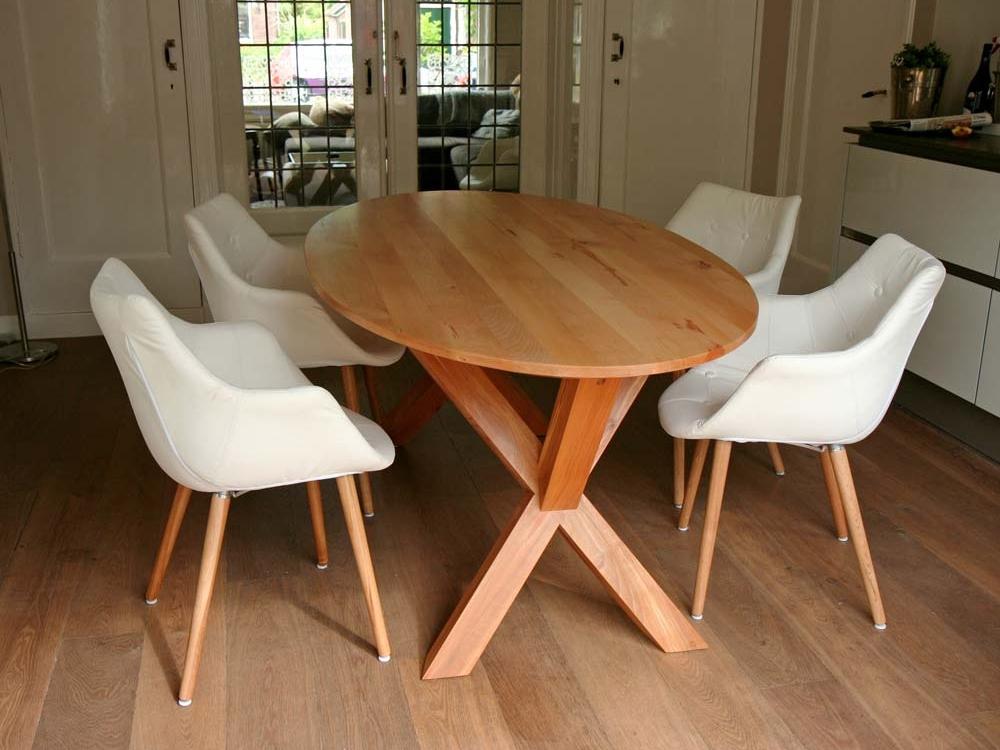 Beuken tafel, ovaal, met kruispoot