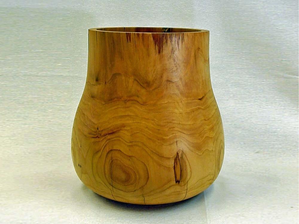 Houtdraaiwerk grote vaas van Kersenhout